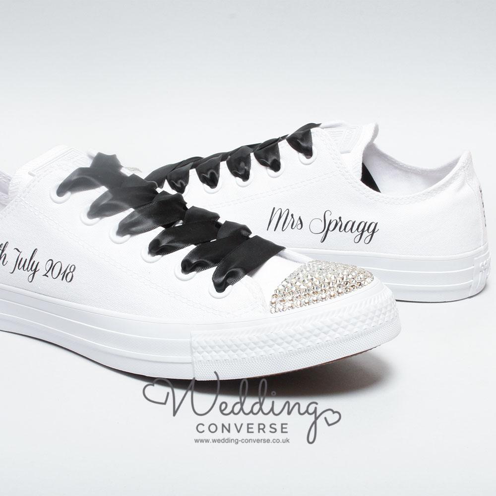 bride sparkly wedding shoes